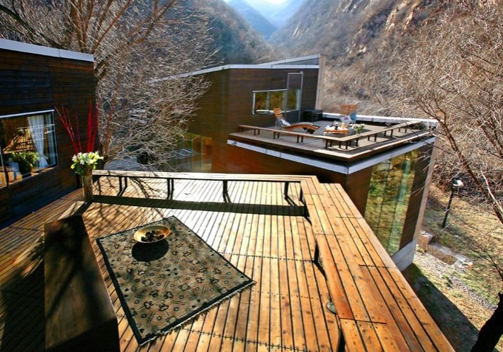 Commune By The Great Wall - China